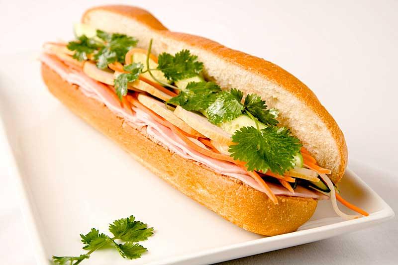 banh mi vietnamese sandwich popular vietnamese baguette sandwich ...